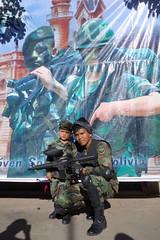 all for Evo. (Hel*n) Tags: army capital hauptstadt bolivia bolivien armee sucre militär chuquisaca ejército fuerzasarmadas charcas
