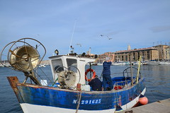pcheurs vieux port Marseille (Jeanne Menj) Tags: marseille bateau vieuxport pche pcheurs