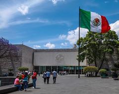 Museo de Antropolgica 221 (L Urquiza) Tags: city parque public architecture de mexico arquitectura y space ciudad bosque bandera museo historia chapultepec antropologa
