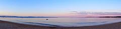 Une douce fin d'aprs midi. (sergecos) Tags: sunset sea sky mer beach mar outdoor sony softness playa panoramic calm ctedazur ciel cielo serenity soir plage calme panoramique douceur endoftheday srnit findejourne