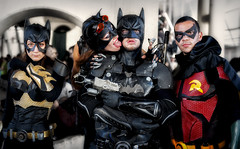 Batman family (R.o.b.e.r.t.o.) Tags: girls portrait people italy rome roma primavera film boys robin tongue comics movie spring kiss italia cosplay lingua batman batgirl fumetti cosplayer groupshot ritratto cartoons catwoman bacio costumi ragazzi 2016 romics