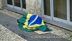 Ptria amada (aladin_kinach) Tags: bandeira brasil pobreza abandono