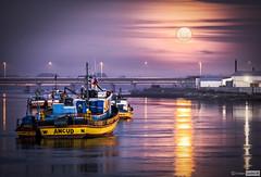 Plcida noche en Ancud (cristianaqua) Tags: chile moon rio river boat explorer luna explore reflejo nocturna noc chiloe embarazada ancud explorar pudeto