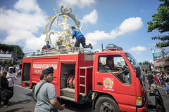 Arjuna the fire fighter ;) (kuuan) Tags: leica bali color sony m firetruck mf manualfocus firefighters f4 a7 voigtlnder ubud arjuna skopar 21mm voigtlndercolorskoparf421mm