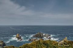 Picos nos acantilados de Loiba. (nievestaboada1) Tags: mar galicia nubes ceo rocas paisaxe rochas acantilados erosin loiba