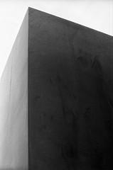 Shaded object (Tiefengeist) Tags: 50mm rodinal nikonfe ilford fp4 1100 125 oneshot agfarodinal ilfordfp4125 r09 ais50mmf12 rodinalr09oneshot1100