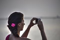 il nastro rosa (eliobuscemi) Tags: nastro rosa donna capelli foto fotografa