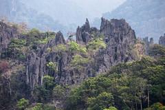 Piques rocheux ne manquant pas de piquants (Ye-Zu) Tags: laos montagne montain thakhek tourdumonde trip voyage worldtour tdm bolikhamsai