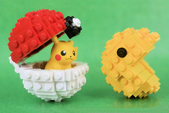 Pikachu strikes back! (Lesgo LEGO Foto!) Tags: lego minifig minifigs minifigure minifigures collectible collectable legophotography omg toy toys legography fun love cute coolminifig collectibleminifigures collectableminifigure pokemongo pokemon go pikachu monster monsters augmentedreality augmented reality pacman pac man puckman  pakkuman retrogame retro game gaming videogame 80sgame classics classic classicgame