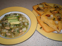 Manzana Chili Verde; Jalapeno-Onion Skillet Corn Bread (dimsimkitty) Tags: veganomicon