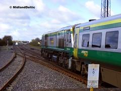 217, Portlaoise, 29-04-2015 (MidlandDeltic) Tags: ireland trains railways irishrail generalmotors emd iarnrdireann 201class