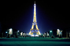 La tour Eiffel (Don Csar) Tags: light mars paris france tower night de torre eiffel spot greens francia champ cyans