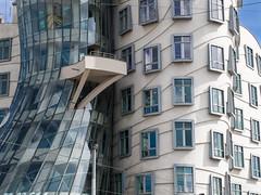 Tanc dm - Prague (Ruth Lueth) Tags: house building architecture europa europe dancing prague haus prag tschechien czechrepublic tancdm tanzendes