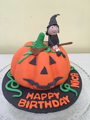 pumpkin cake (Divine Cakes Iloilo) Tags: birthday halloween cakes cake pumpkin dc cafe divine theme iloilo roxas fondant bakeshop