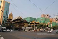 Shanghai, Jing'an Temple (blauepics) Tags: china city building architecture temple gold shanghai well stadt architektur jingan gebude bubbling tempel schanghai