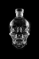 VODKA IMG_5211 (photo.bymau) Tags: light bw test canon studio skeleton skull al bottle noir crane bretagne packshot alcool alcohol 7d vodka et blanc rennes eclairage bouteille crne squelette bymau
