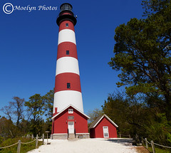 Assateague Lighthouse at Chincoteague NWR (moelynphotos) Tags: red lighthouse white virginia striped clearsky historicsite easternshores traveldestination assateaguelighthouse landscapeformat chincoteaguenationalwildliferefuge moelynphotos