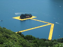 Floating Piers 7 (Claude Marco) Tags: summer italy lake art water lago agua crowd landart christo iseo montisola floatingpiers