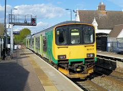 150107 (R~P~M) Tags: uk greatbritain england train diesel unitedkingdom beds bedfordshire railway 150 sprinter dmu multipleunit londonmidland ridgmont