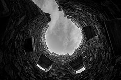 Kilchurn Castle - looking up (JohnStorr) Tags: light white black castle window stone wall architecture scotland ruins bright argyll oban loch awe kilchurn