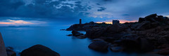 Phare de Mean Ruz  l'heure bleue #1 ~ Ploumanac'h [ Cte de Granit Rose ~ Bretagne ] (emvri85) Tags: sea mer lighthouse zeiss sunrise 35mm assemblage bretagne bluehour vagues phare rochers panoramique aube ploumanach ctedegranitrose heurebleue leefilters meanduz