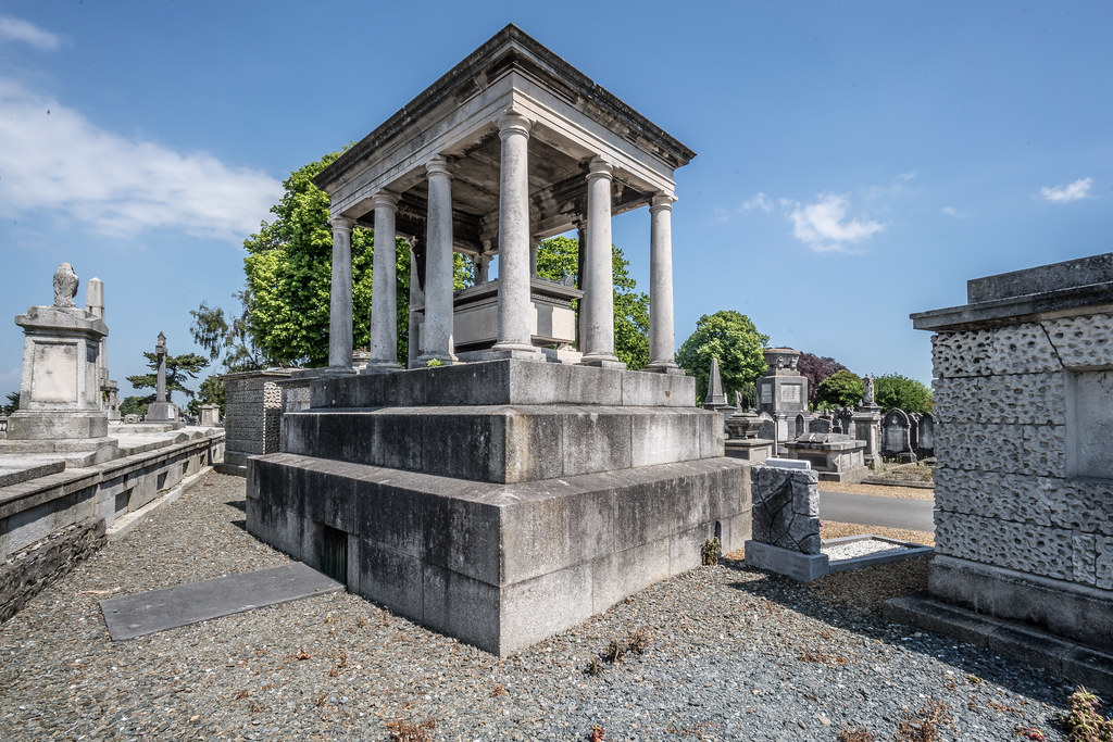 MOUNT JEROME CEMETERY AND CREMATORIUM IN HAROLD'S CROSS [SONY A7RM2 WITH VOIGTLANDER 15mm LENS]-117030