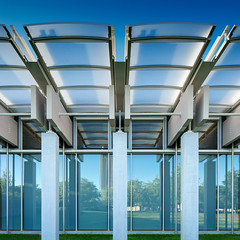 Kimbell Pavilion, Kimbell Art Museum | Fort Worth, TX | Renzo Piano (Pete Sieger) Tags: urban usa texas interior civic educational sieger renzopiano fortworth cultural kimbell kimbellartmuseum peterjsieger april2016dallas5dfwtrip 3333campbowieboulevard kimbellpavilion