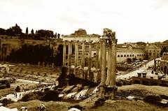 Roma (Claudio Taras) Tags: street shadow bw roma sepia nikon bokeh claudio biancoenero controluce taras streetshot contrasto