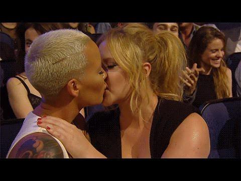 Amy Schumer Amber Rose Kiss At MTV MA's Burns Internet