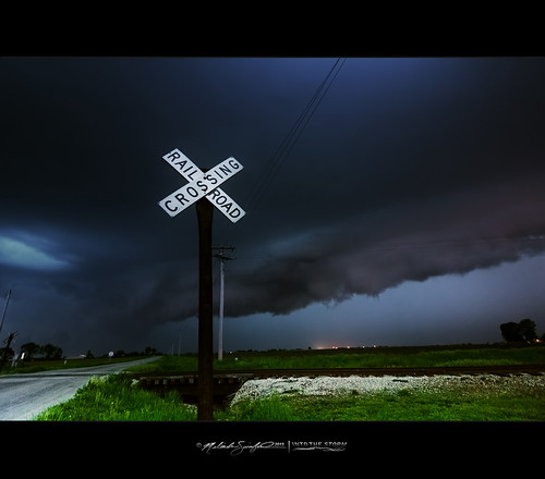 Dark Blue Beast | Strong Storms Seen from East of Mattoon, IL