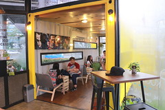 IMG_5758 (JoChoo) Tags: coffee canon cafe friend may gathering boxes coffeetime bbcc 2016 canon650d may2016 boxescafe