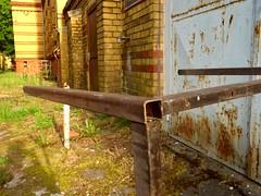 Metalltisch-UKB (Kenny from the Block) Tags: berlin deutschland biesdorf ukb marzahn
