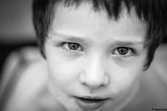 l'heure du bain (laura java) Tags: portrait monochrome face bouche bain reflexion visage mousse regard enfance