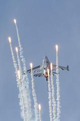 General Dynamics F-16AM Fighting Falcon   'FA-123'   -   Belgische Luchtmacht (JohnC757) Tags: f16 ebbe fightingfalcon belgianairforce beauvechain f16am belgischeluchtmacht luchtcomponent aircomponent generaldynamicsf16amfightingfalcon fa123 beauvechainab beauvechainairbase thpu2016 tacticalhelicopterprocedureupdate2016