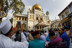 Singapore celebrating Hari Raya Puasa 2016 (REVIT PHOTO'S) Tags: travel singapore alt muslim islam praying celebration winner getty mk2 hariraya aidilfitri arabst sultanmosque 1dx selamathariraya exploresingapore singaporetourismboard canonimaging canon1dxmk2