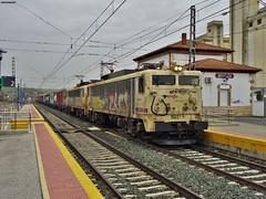 269 (firedmanager) Tags: train tren locomotive mitsubishi locomotora ferrocarril freighttrain renfe trena 269 railtransport renfeoperadora renfemercancías