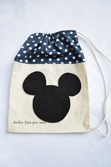 Lembrancinha Saquinho Surpresa Mickey 💞 (Ana Ribeiro2010) Tags: mickey minnie feltro ecobag saquinho lembrancinha sacolinha