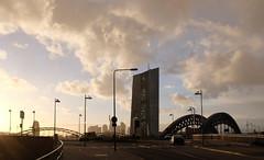 Aprilwetter (JohannFFM) Tags: germany frankfurt main ostend gegenlicht ezb osthafen aprilwetter honsellbrücke