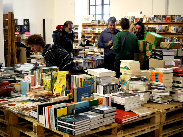 UNHCR support book drive in Book ARSENAL