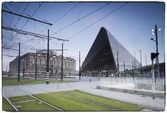 Rotterdam Centraal... (a.stokman) Tags: longexposure rotterdam centraalstation architectuur west8 stationsplein groothandelsgebouw teamcs benthemcrouwelarchitekten haaienbek depuntzak stationkapsalon degrotemuil arjostokman mvsameyervanschootenarchitecten