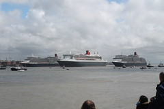The 3 Queens (thecrookedfoo) Tags: red home liverpool elizabeth ships victoria arrows cunard mersey mary2 3queens