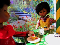 Vintage Dolls Tea Party (the pen corner *) Tags: vintage garden miniatures teaparty vintagedolls chinateaset ginnydolls goodgollymissdollyuk handcraftedgermanoutdoorfurniture