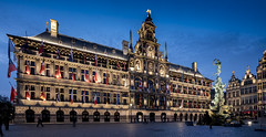 stadhuis panorama- (Ludo_Jacobs) Tags: city blue sunset panorama tourism night evening hall belgium dusk belgi panoramic hour stadt antwerp markt rathaus antwerpen grote