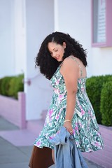 Print Season (GirlWithCurves) Tags: curlyhair oldnavy denimjacket plussizefashion palmprint girlwithcurves taneshaawasthi