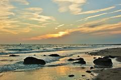 ondergaande zon Nollestrand (Omroep Zeeland) Tags: nollestrand vlissingen zon zee natuur zeeland walcheren duinen mooi weer ondergaandezon