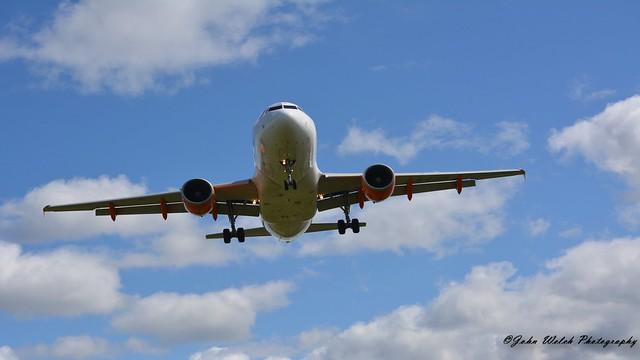 Easyjet A319-111 G-EZGB,Liverpool EGGP