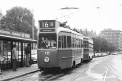 GVB 925 Lijn 16 (Olga and Peter) Tags: amsterdam 1974 nederland thenetherlands tram streetcar 925 gvb lijn16 3asser f33944