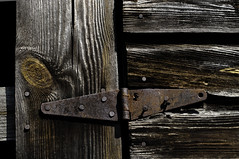 Arthritis (hutchphotography2020) Tags: hinge old texture beautiful barn boards rust rotten arthritis rottenwood barndoors