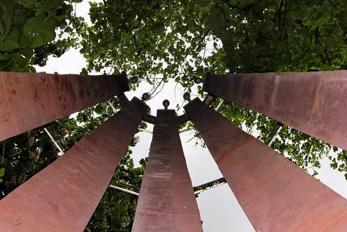 """Gefallenen-Ehrenmal der CAU (05) • <a style=""""font-size:0.8em;"""" href=""""http://www.flickr.com/photos/69570948@N04/17878233966/"""" target=""""_blank"""">Auf Flickr ansehen</a>"""