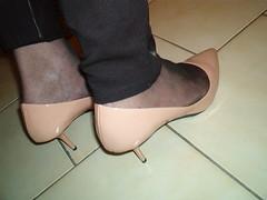 IM006945 (grandmacaon) Tags: pumps highheels zara hautstalons lowcutshoes toescleavage